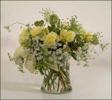 Delicate yellow roses, queen annes lace